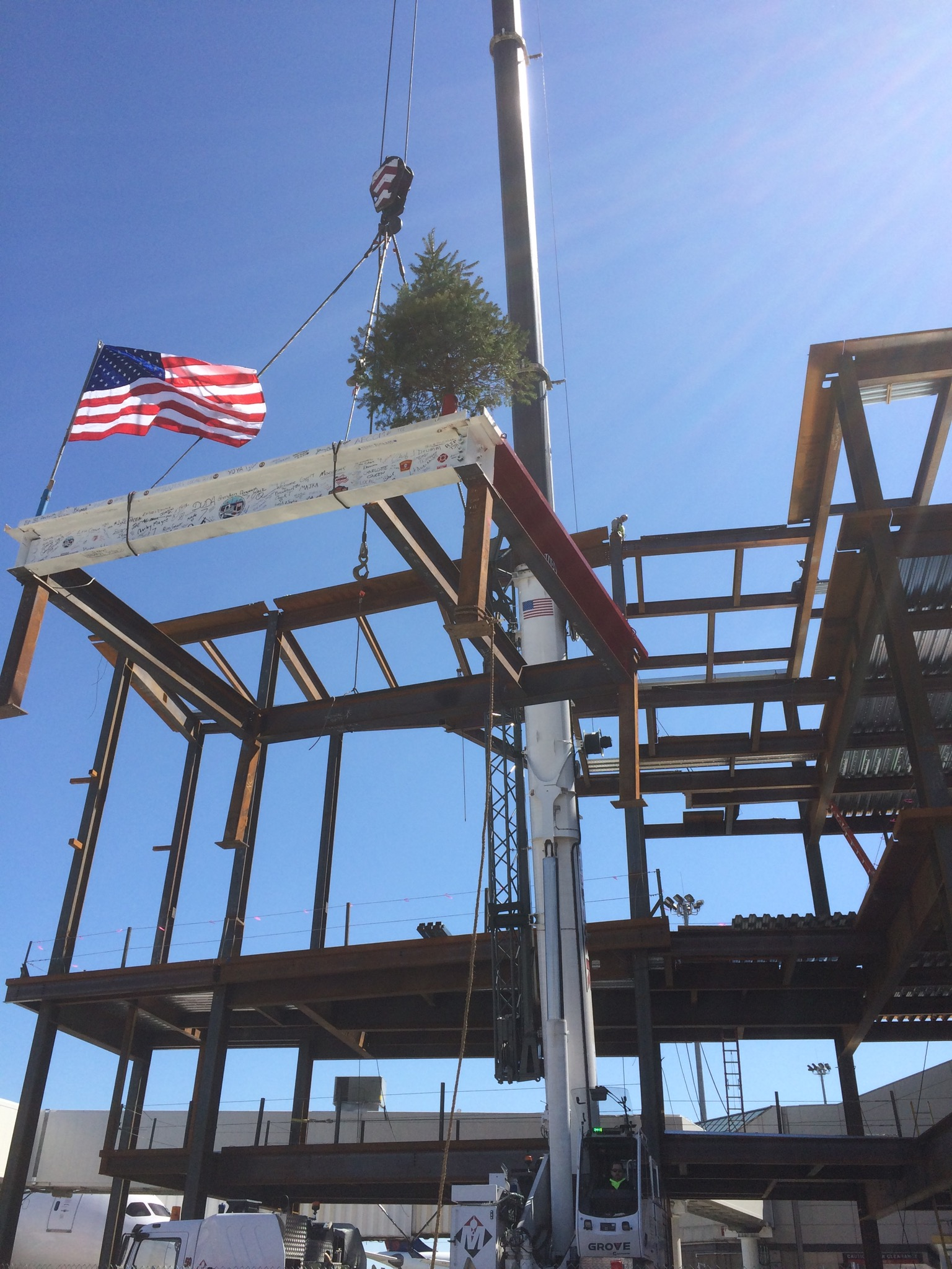 Daniel Marr Amp Son Erects Steel At Logan Airport S Terminal