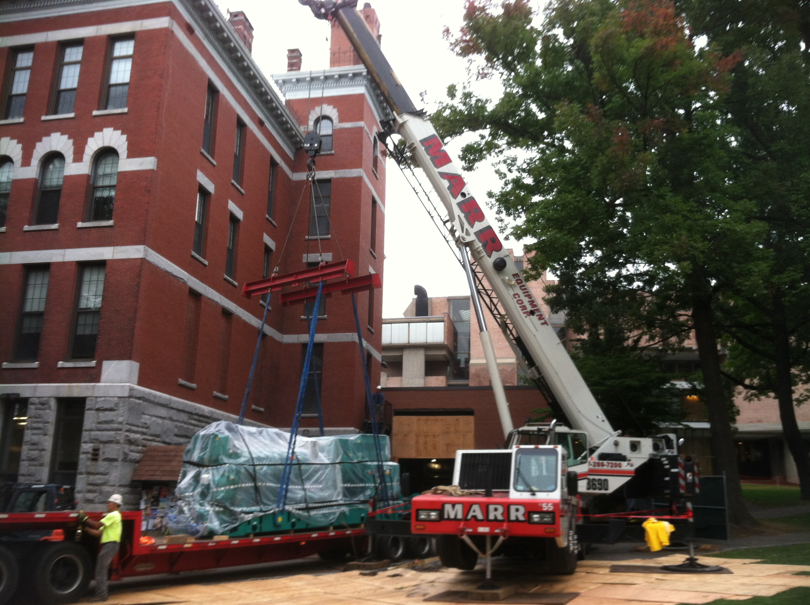 crane rigging at clark university